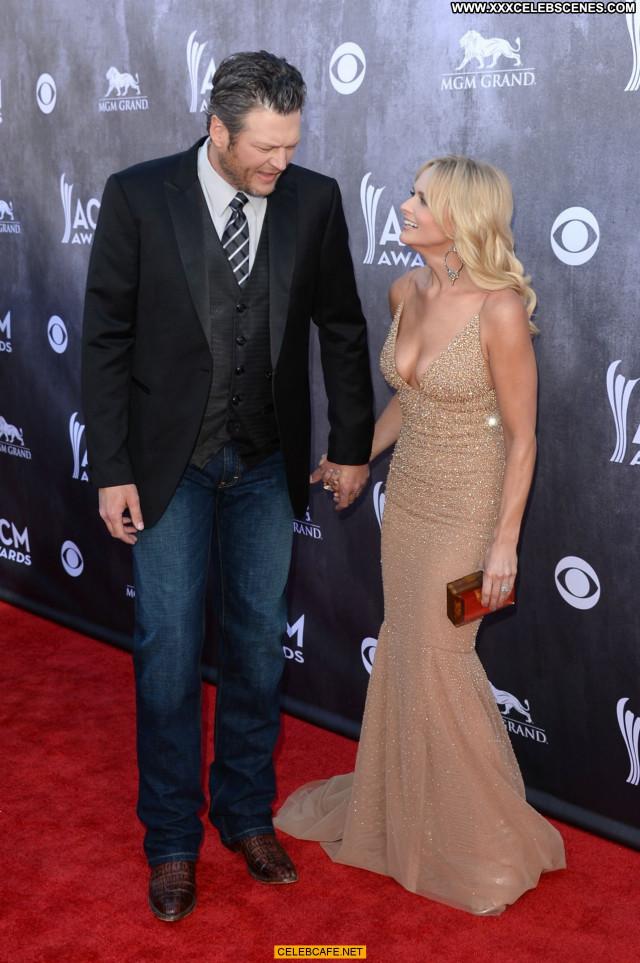 Miranda Lambert Las Vegas Nice Cleavage Awards Babe Posing Hot