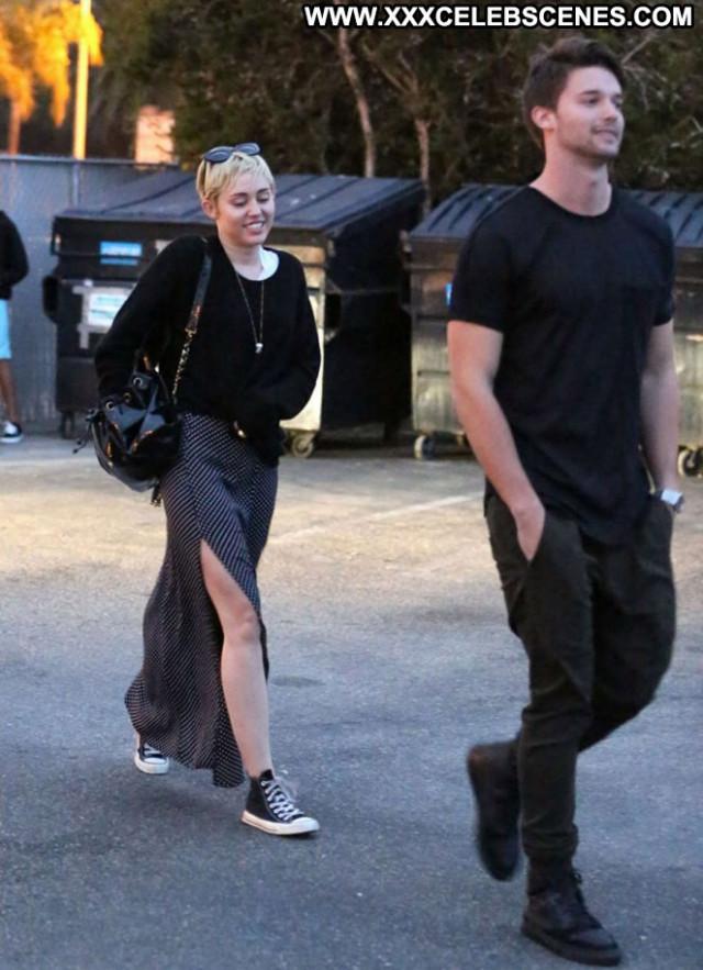 Miley Cyrus Paparazzi Malibu Posing Hot Celebrity Babe Beautiful Mali