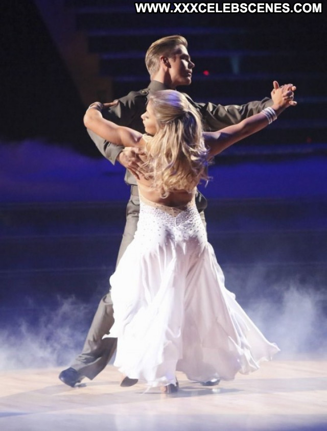 Shawn Johnson Dancing With The Stars Beautiful Posing Hot Celebrity