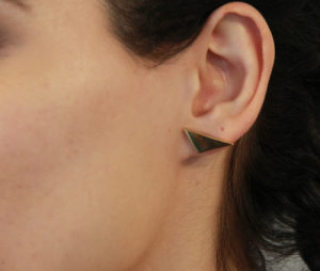 Bizare Love Triangle Ear Stud Yellow Gold