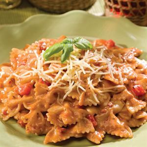 0002432 Creamy Tuscan Pasta With Sundried Tomatoes Single 300