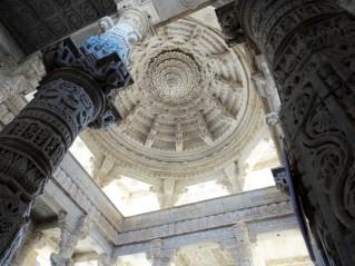Rajasthan coupole ciselée en marbre blanc