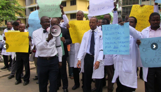 doctors-students-protest-05