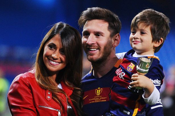 messi-and-girlfriend2