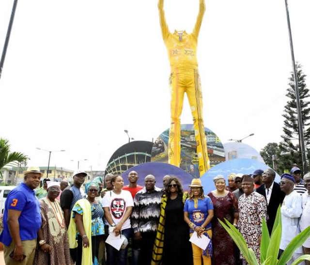 Ambode Unveils Statue