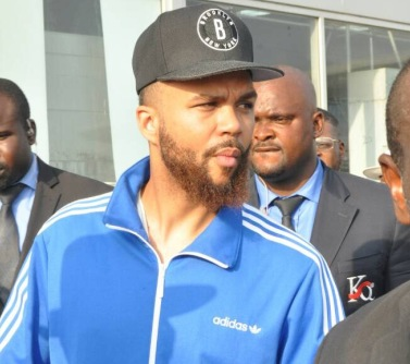 Jidenna arrives Nigeria