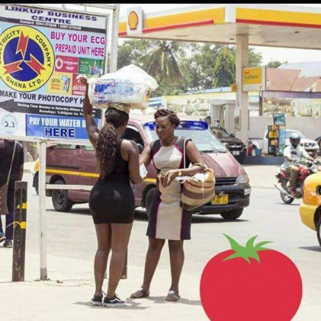 Water seller 0 - Lady with big booty spotted hawking pure water has been identified (photos)