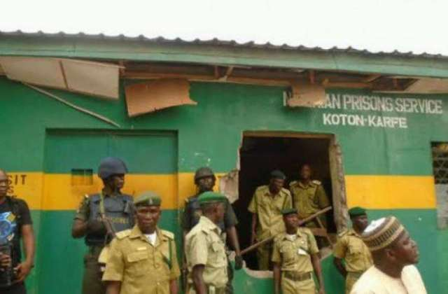 inmates escaped prison recaptured