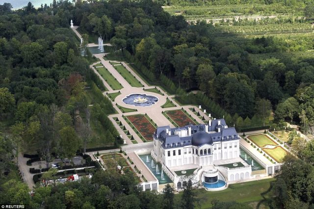 French Chateau Louis XIV