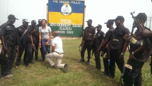 SARS Propose Rivers 06 - Nigerian man proposes to girlfriend with the help of SARS at their Headquarters in Rivers state (video)