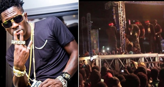 Shatta Wale Slaps His Bodyguard For Allowing Fans To Touch Him On Stage (Video)