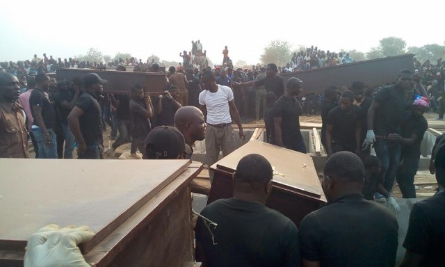 mass burial 011 - Photos from the mass burial for the 75 victims of the Fulani herdsmen attack in Benue