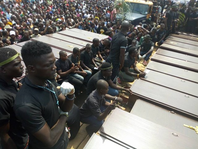 mass burial 02 - Photos from the mass burial for the 75 victims of the Fulani herdsmen attack in Benue