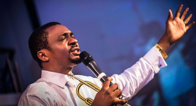 Convener of the Halleluyah Challenge and Olowogogboro crooner, Nathaniel Bassey has shared on Twitter some marital advise for women.