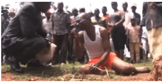 Houseboy sleeps with employer's wife, releases maggots from his private part (Video)