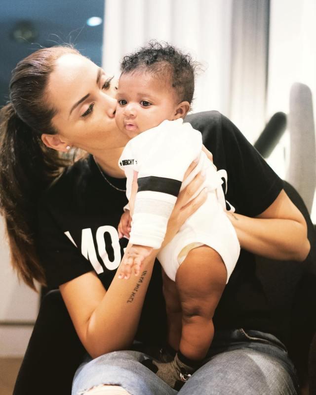 Wizkid's third babymama reacts, says Wizkid is the best dad in the world…. Then Binta, the second babymama replies her!