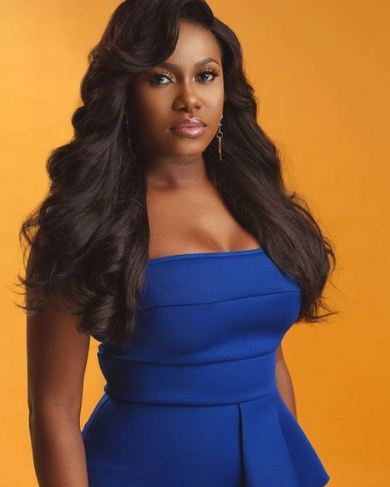 Niniola stops sister, Teni from entering her house over coronavirus fears (Video)