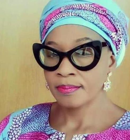 Nigerian lady blasts Kemi Olunloyo over attack on Linda Ikeji, says she has ordered Thunder from China