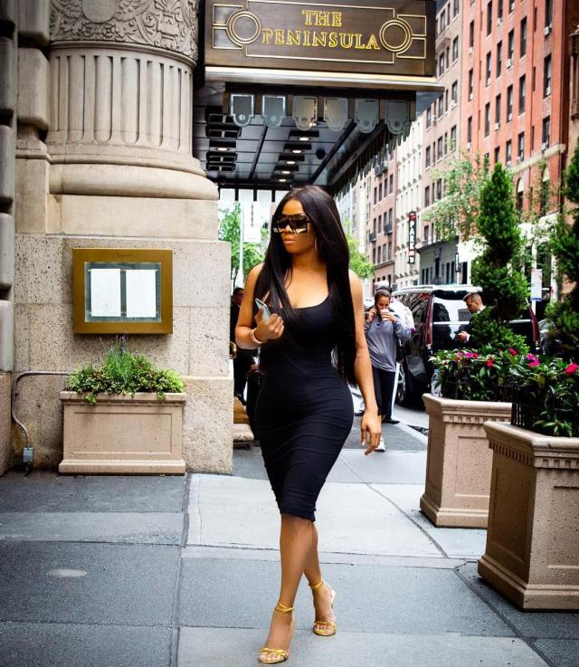 Fans accuse Toke Makinwa