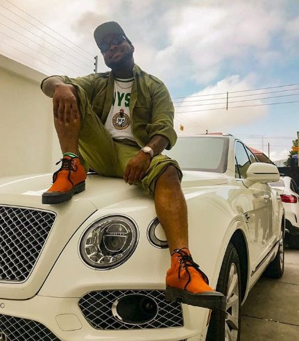Davido cancels his tour due to NYSC commitments