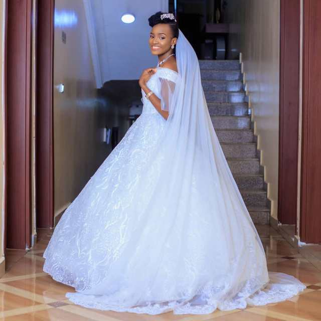 Favour Iwueze's white wedding, Favour Iwueze white wedding, Favour Iwueze wedding