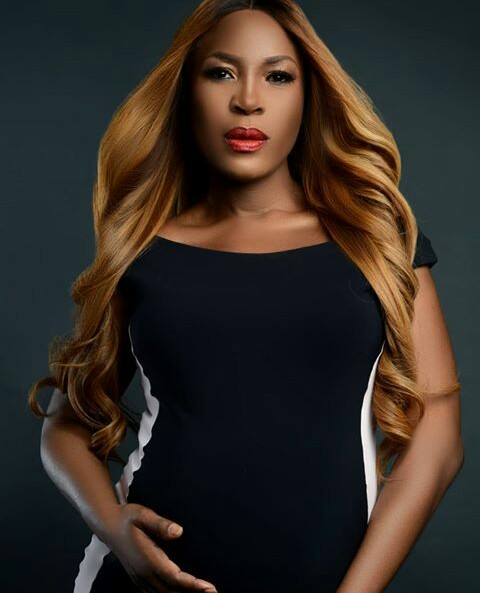 Linda Ikeji Wows maternity shoot