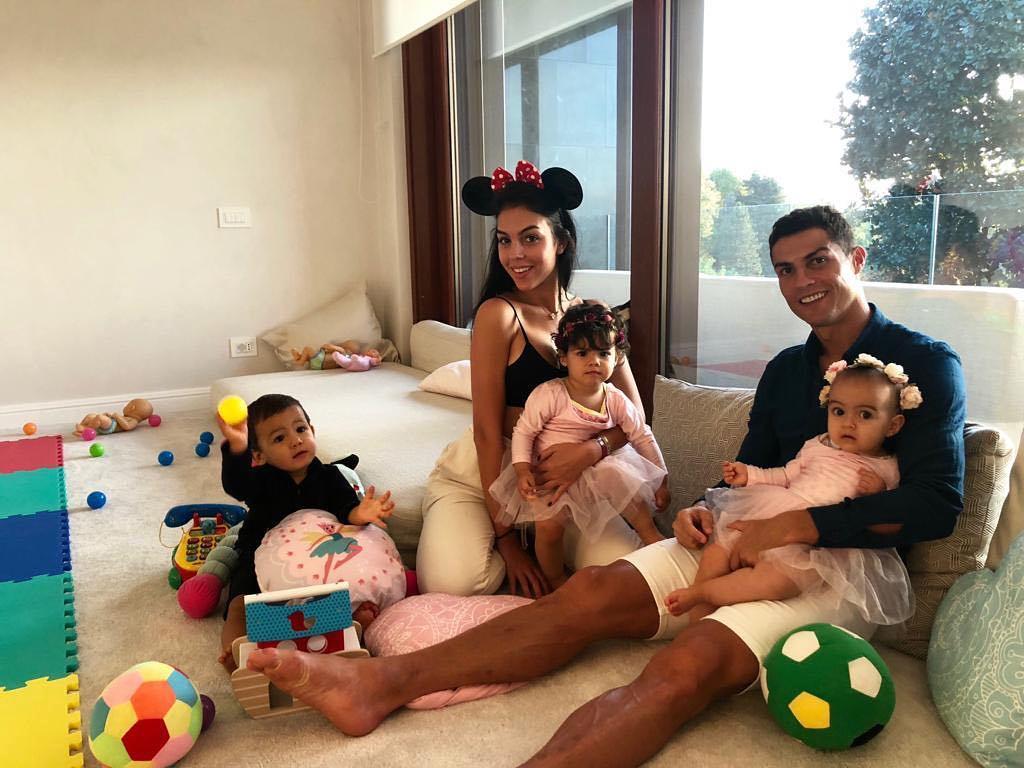Cristiano Ronaldo spends quality time
