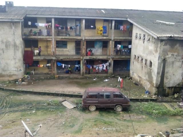 brr - 23-year-old man hangs himself in Lagos, leaves suicide note.