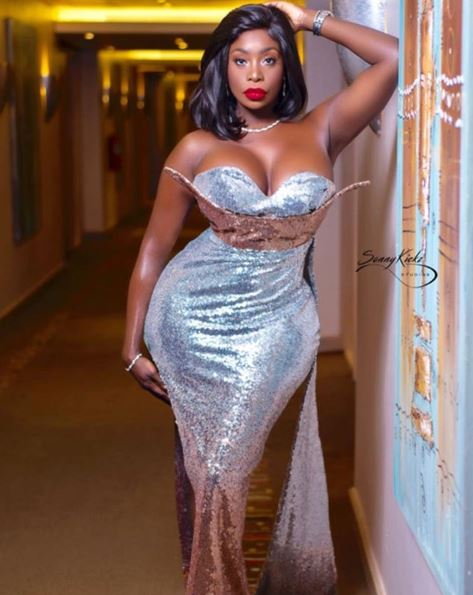 symba - Slay queen cries out after her panties got stolen in Lagos hotel (Video)
