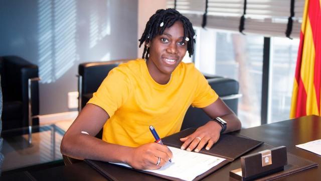 Asisat Oshoala joins FC Barcelona