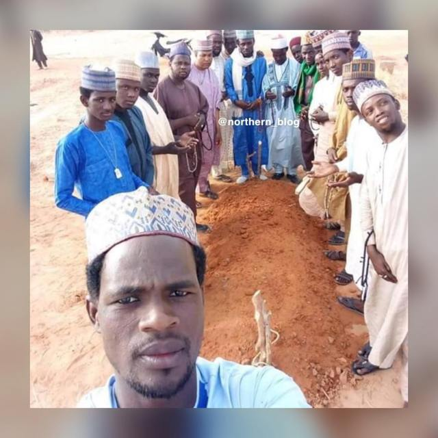 Northern Nigerian men come under fire for taking selfie at burial ground