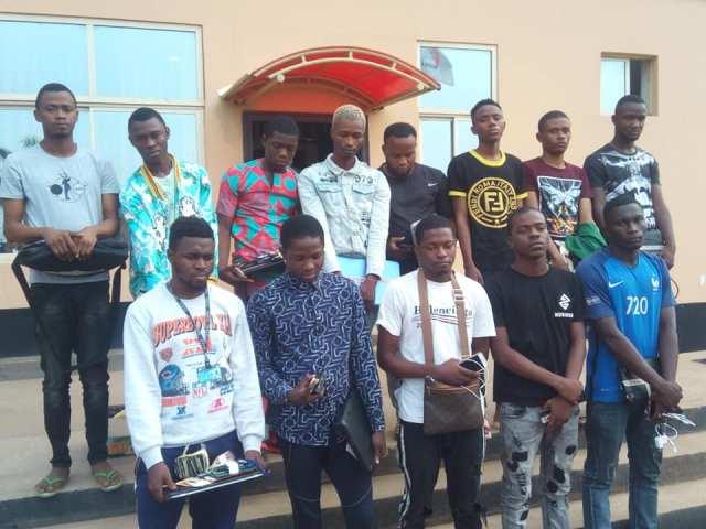 EFCC arrests 14 undergraduate yahoo boys