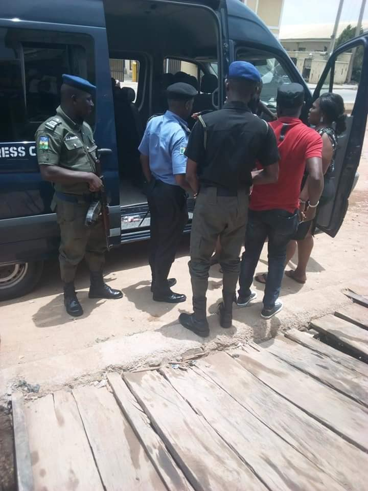sars officer raped teenage girl