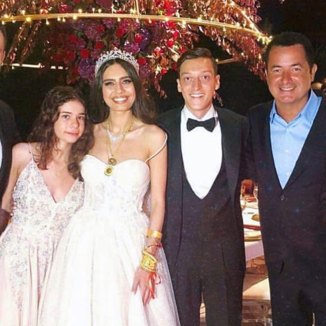 Mesut Ozil marries