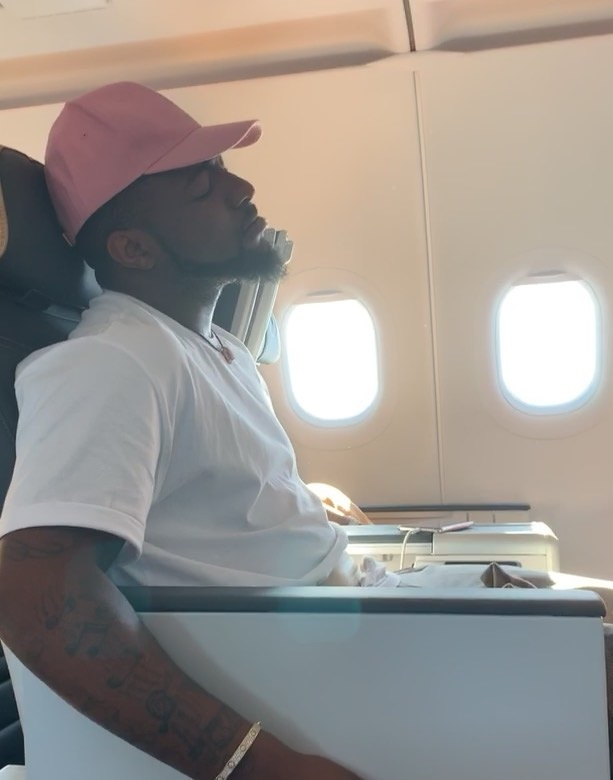 Watch Video: Davido survives scary airplane turbulence 1
