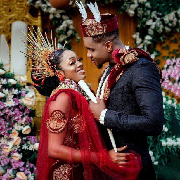 Jidekene achufusi ties the knot
