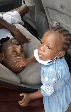 Little girl pray