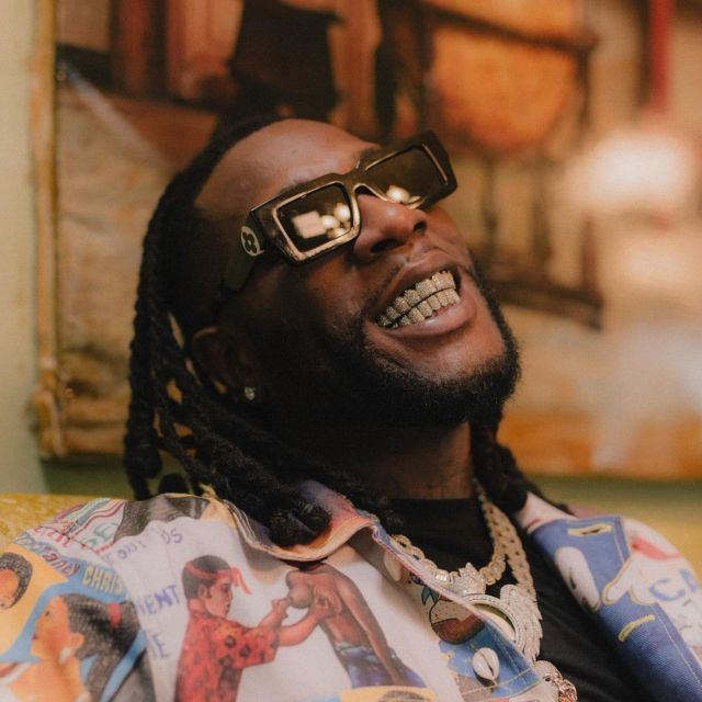 Four years after their public fight singers Burnaboy and Mr. 2kay bury the hatchet. (Video)