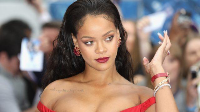 Rihanna  becomes