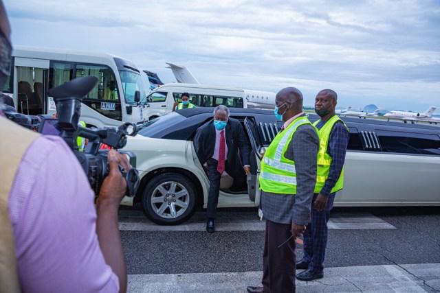 Pastor Kumuyi arriving