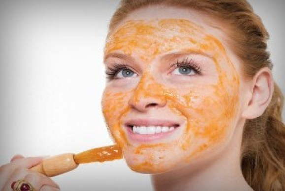 Steps To Apply Tomato On Face