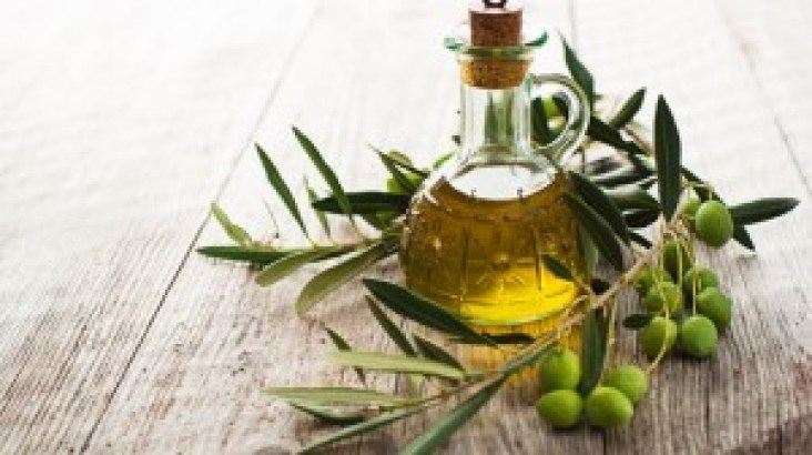 remove makeup with olive oil