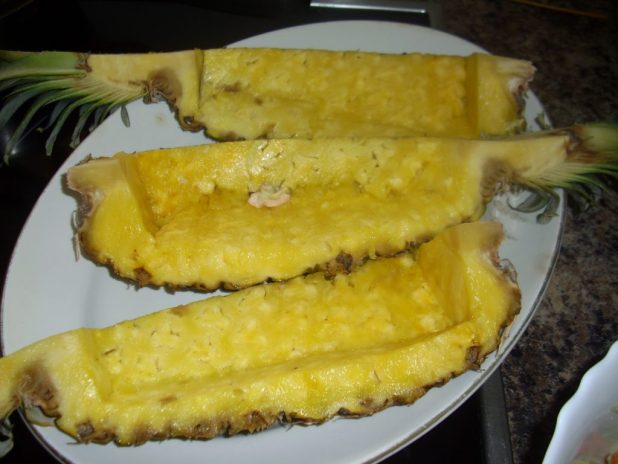 6 Reasons Why You Should Not Throw Pineapple Peel Away!