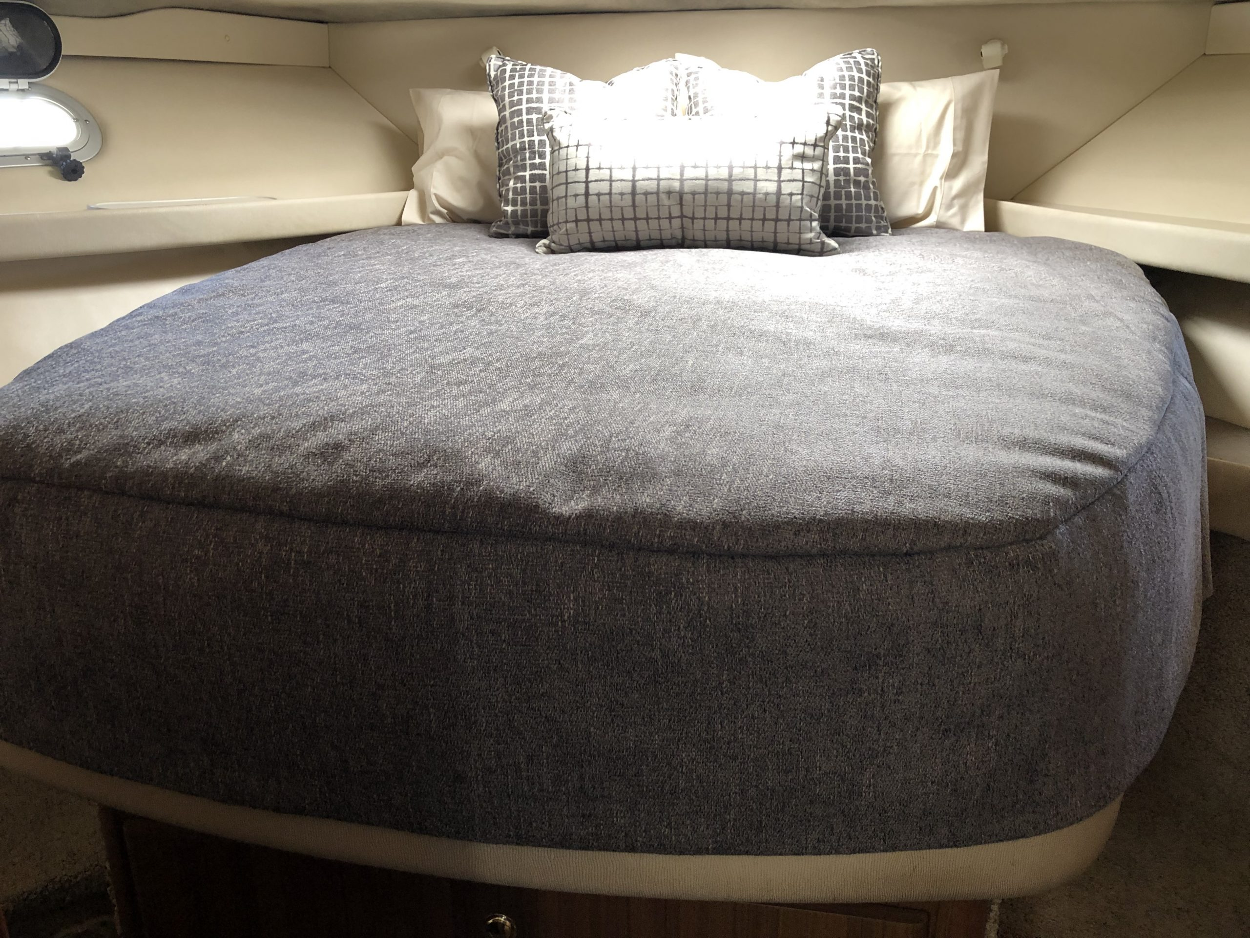Bayliner 37 Bedding