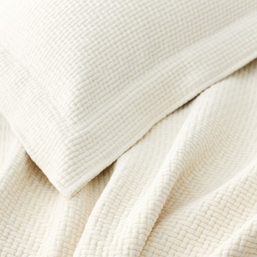 Interlacken Ivory Matelasse Blanket