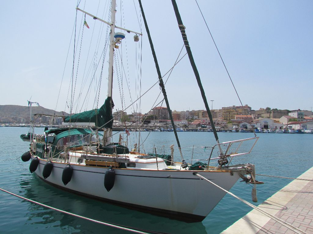Emerald at Crotone harbour, ready for a wash