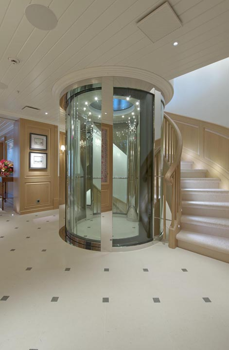 Review Lurssen Yachts 247 Northern Star  Page 2
