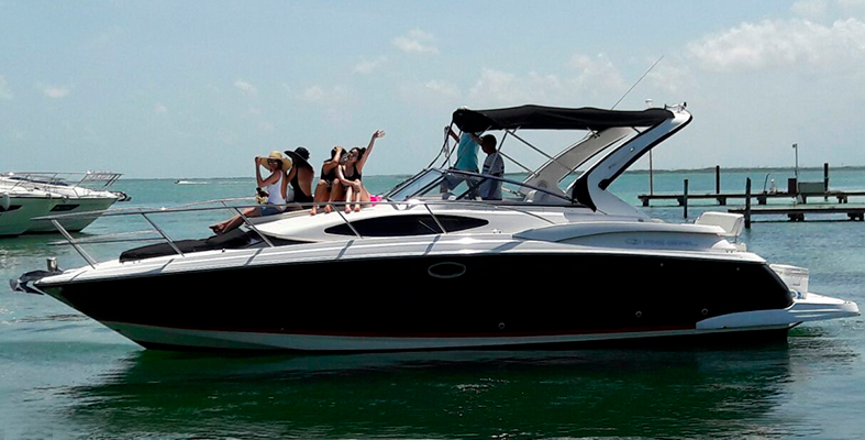 yacht rentals in Cancun, luxury yachts for rent, luxury charter, private charter, yacht charter, economic yachts for rent, cancun, isla mujres, puerto aventura, regal 34 feet