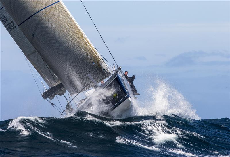Big Southerly Hits Fleet In The 68th Rolex Sydney Hobart