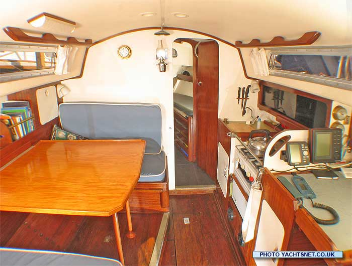Hustler 30 archive details  Yachtsnet Ltd online UK yacht brokers  yacht brokerage and boat sales